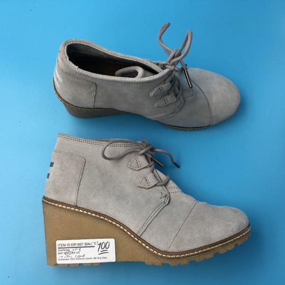 20f6089159b0 TOMS Women s Desert Wedge Boots DR01900 Sz 5
